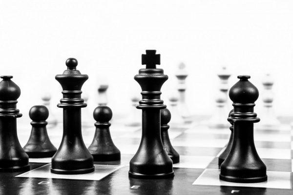 Über die Regulierung der Digitalisierung – oder: Wann ist der Point-of-no-Return, ab dem Tech-Konzerne mächtiger als Staaten  werden?